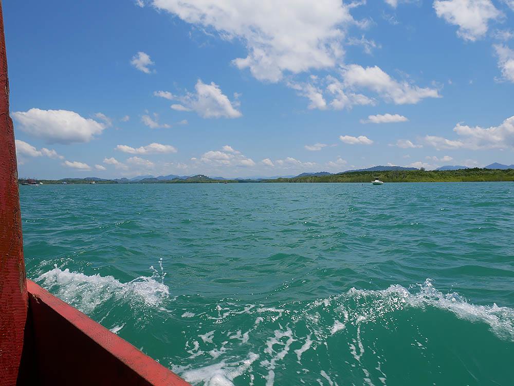 khaolak_boat.jpg