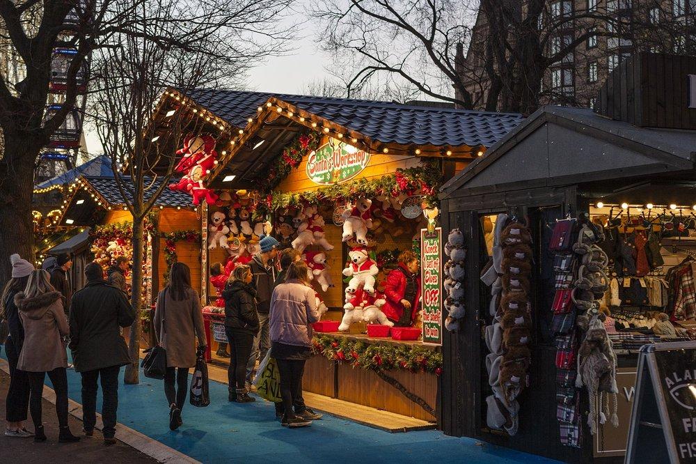 christmas-market-1864241_1280.jpg