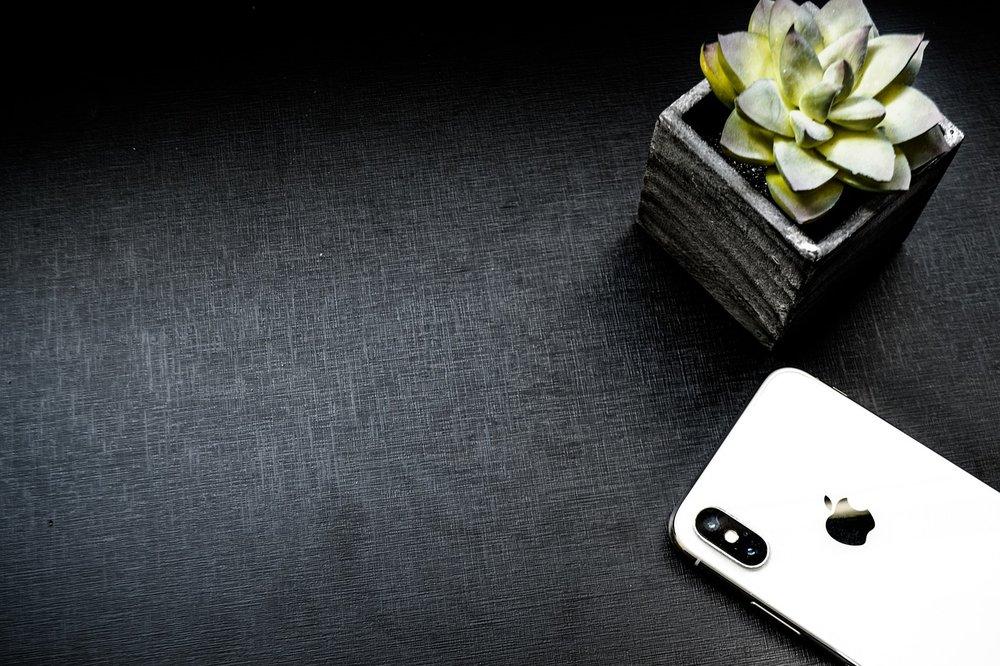 table-3375313_1280.jpg