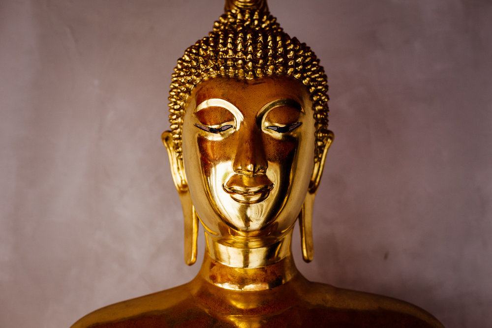 Bangkok-Thailand-Travel-Photography-Golden-Smile-Statue-4.jpg