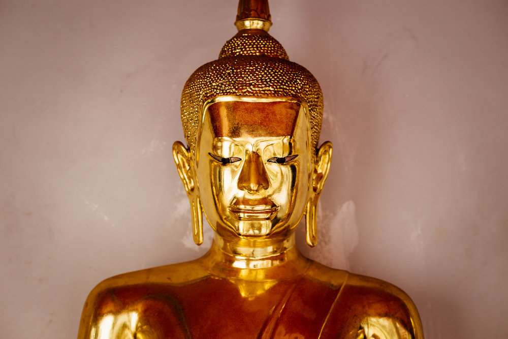 Bangkok-Thailand-Travel-Photography-Golden-Smile-Statue-1.jpg