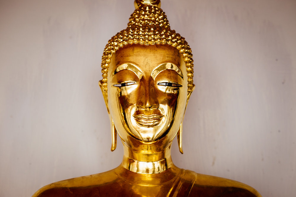 Bangkok-Thailand-Travel-Photography-Golden-Smile-Statue-7.jpg