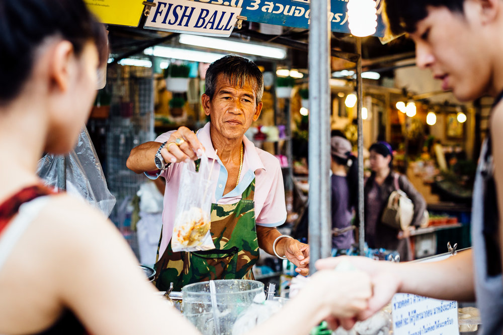 Bangkok-Thailand-Travel-Photography-People-Street-Vendor.jpg