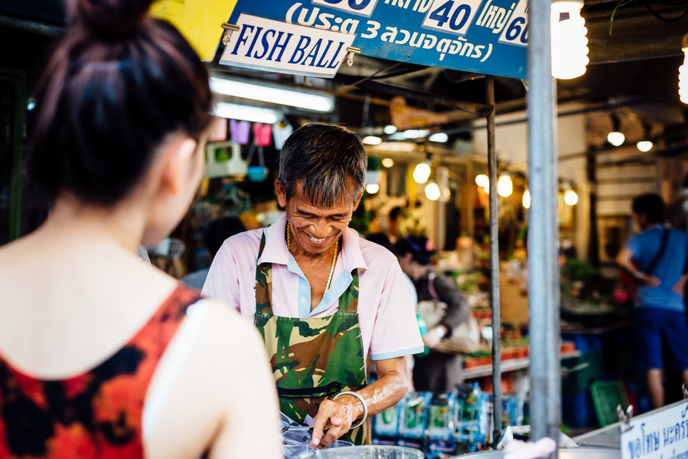 Bangkok-Thailand-Travel-Photography-Smile-People-Street-Vendor.jpg