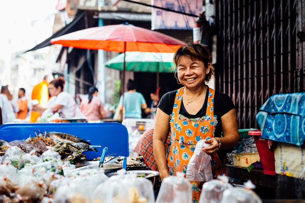 Bangkok-Thailand-Travel-Photography-Smile-People-Street-Food-Vendor.jpg