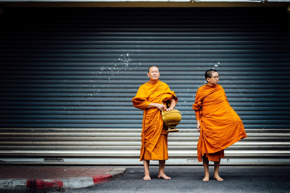 Bangkok-Thailand-Travel-Photography-Smile-People-Monk-Street