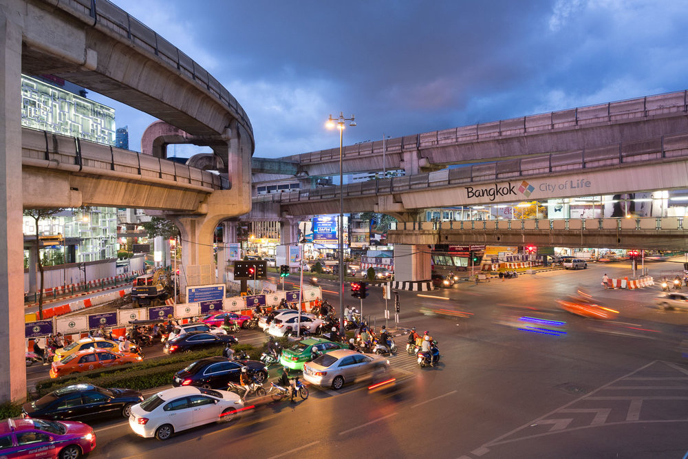 Travel-Photography-Thailand-City-Traffic-light-longexposure-4.jpg