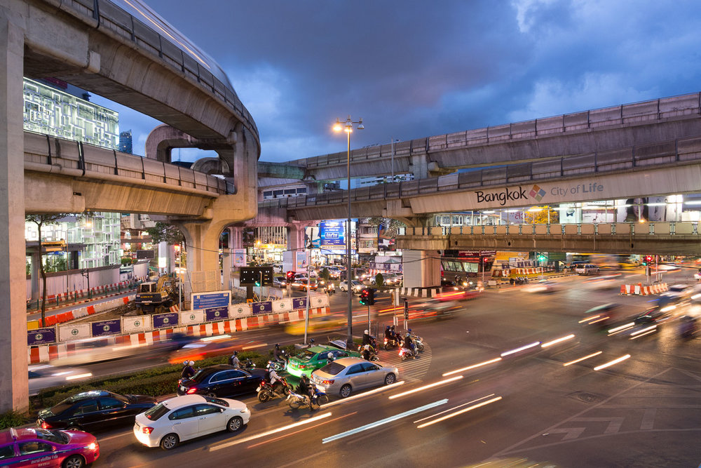 Travel-Photography-Thailand-City-Traffic-light-longexposure-5.jpg