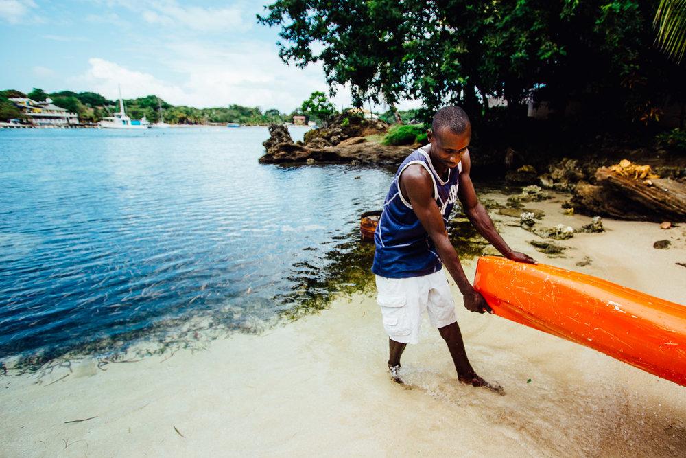 Canoe-Tropical-Island-Honduras-Roatan-CentralAmerica-Durazo-Photography