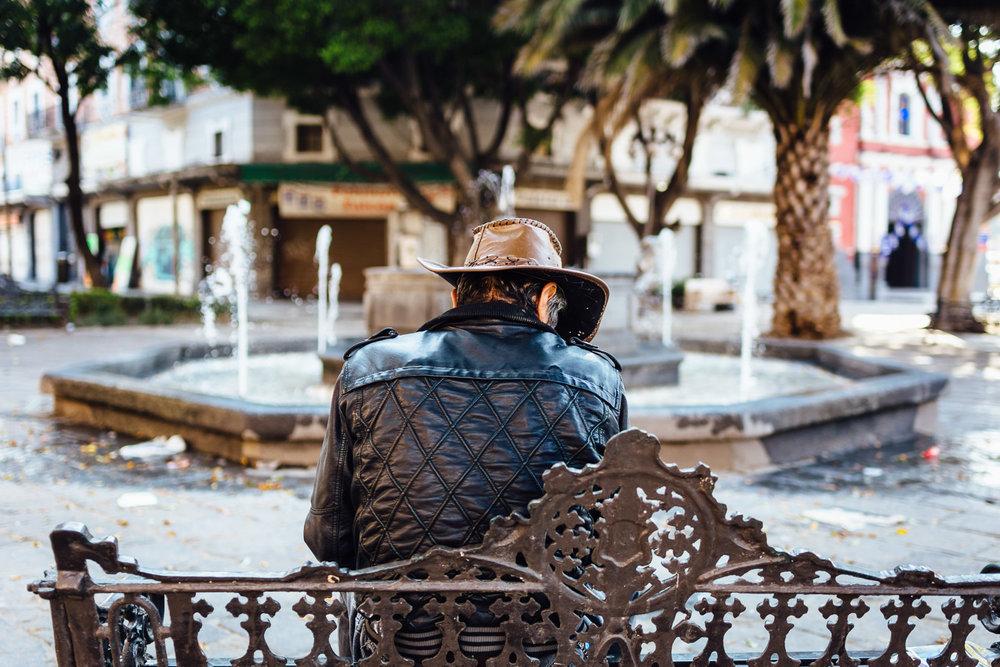 Bench-Homeless-Man-Mexico-Durazo-Photography