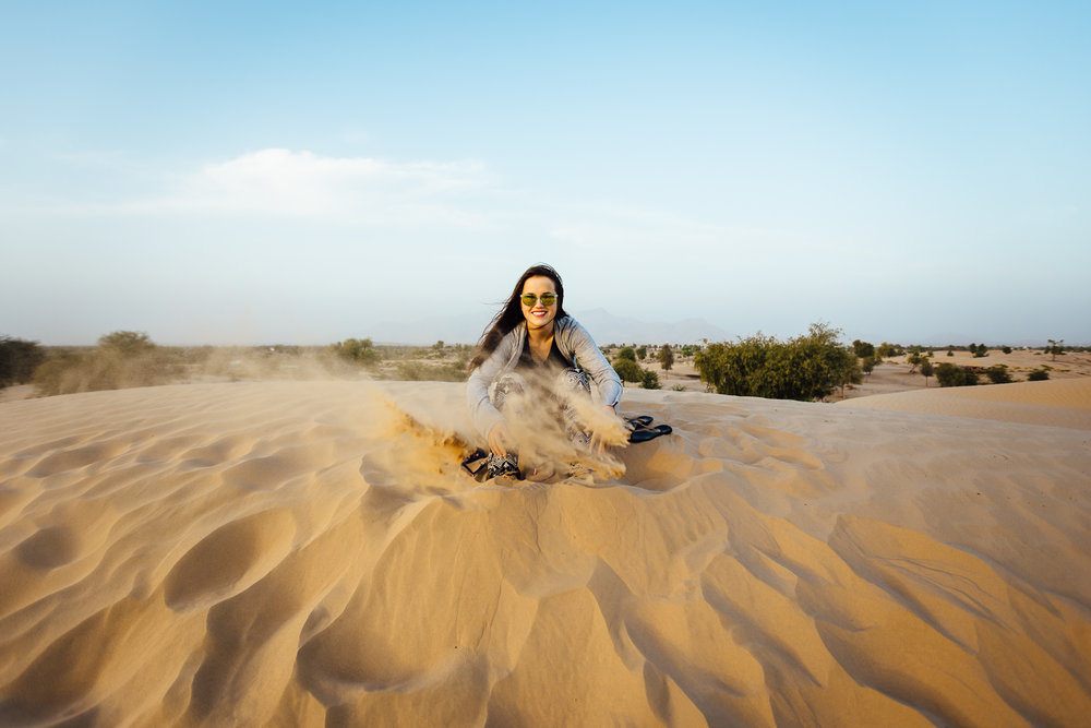 Desert-MiddleEast-Sand-Fun-Laughter-Smile-Photography-Tips-Durazo-Photography