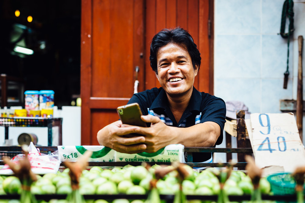 Smiling-Vendor-Market-Vegetables-Smile-Happy-Thailand-Daniel-Durazo-Photography.jpg