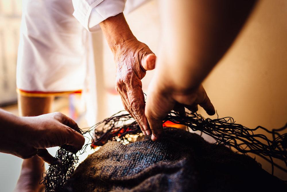 Hands-Artisan-Feast-Tradition-Village-Oman-Daniel-Durazo-Photography-Durazophotography