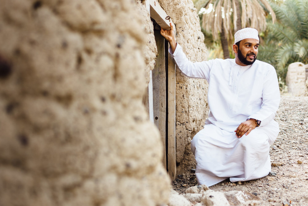 Village-Man-Guide-Ancient-Ruins-Tradition-Village-Oman-Daniel-Durazo-Photography-Durazophotography