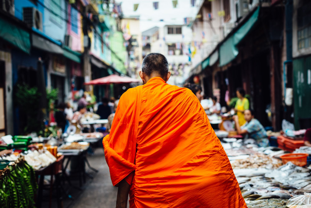 Single-Monk-One-Solo-Walking-Adventure-Market-Orange-Travel-Thailand-Daniel-Durazo-Photography.jpg