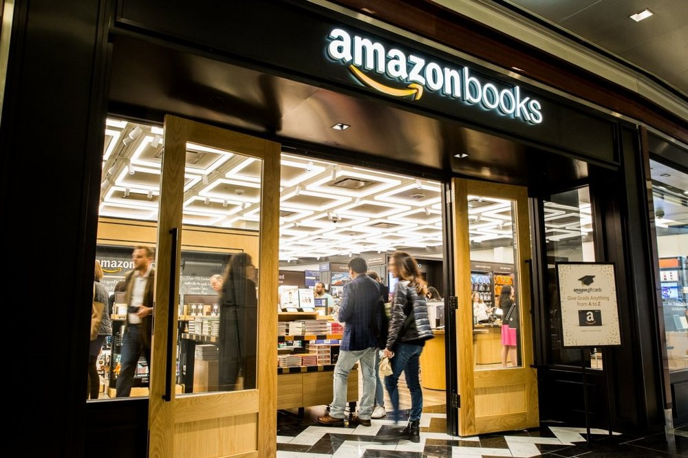 マンハッタンのコロンバスサークルにあるタイムワーナービル内にできたamazonbooksの1店舗目。2店舗目はMacy'sの近くに準備中。