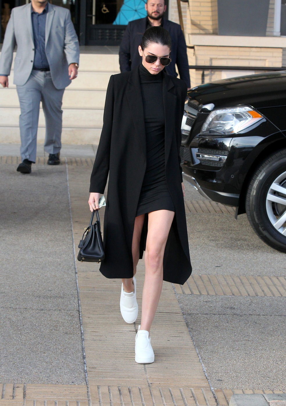 kendall-jenner-black-dress-jacket-style.jpg