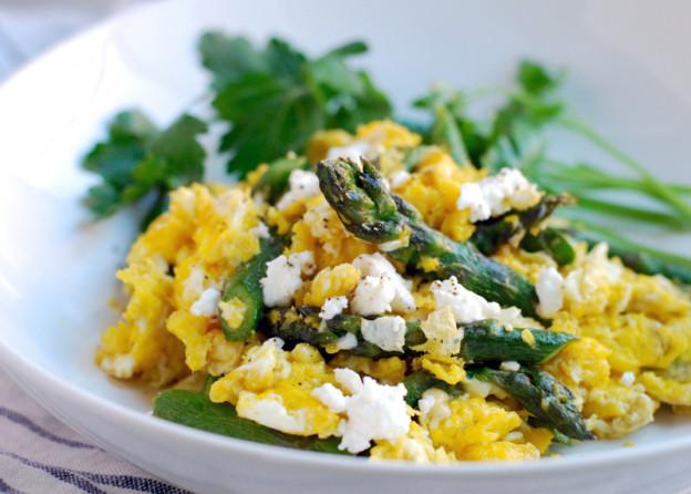 scrambled-eggs-with-asparagus.jpg