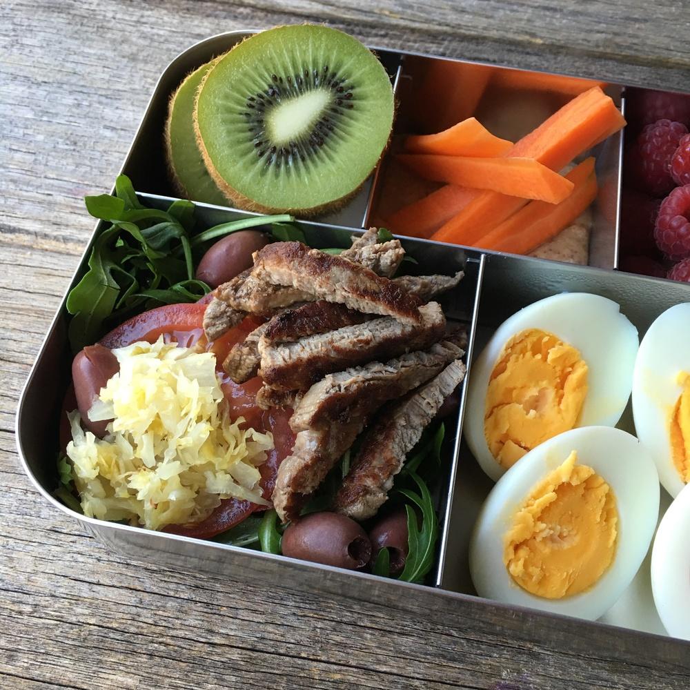 paleo-lunchbox-02.jpg