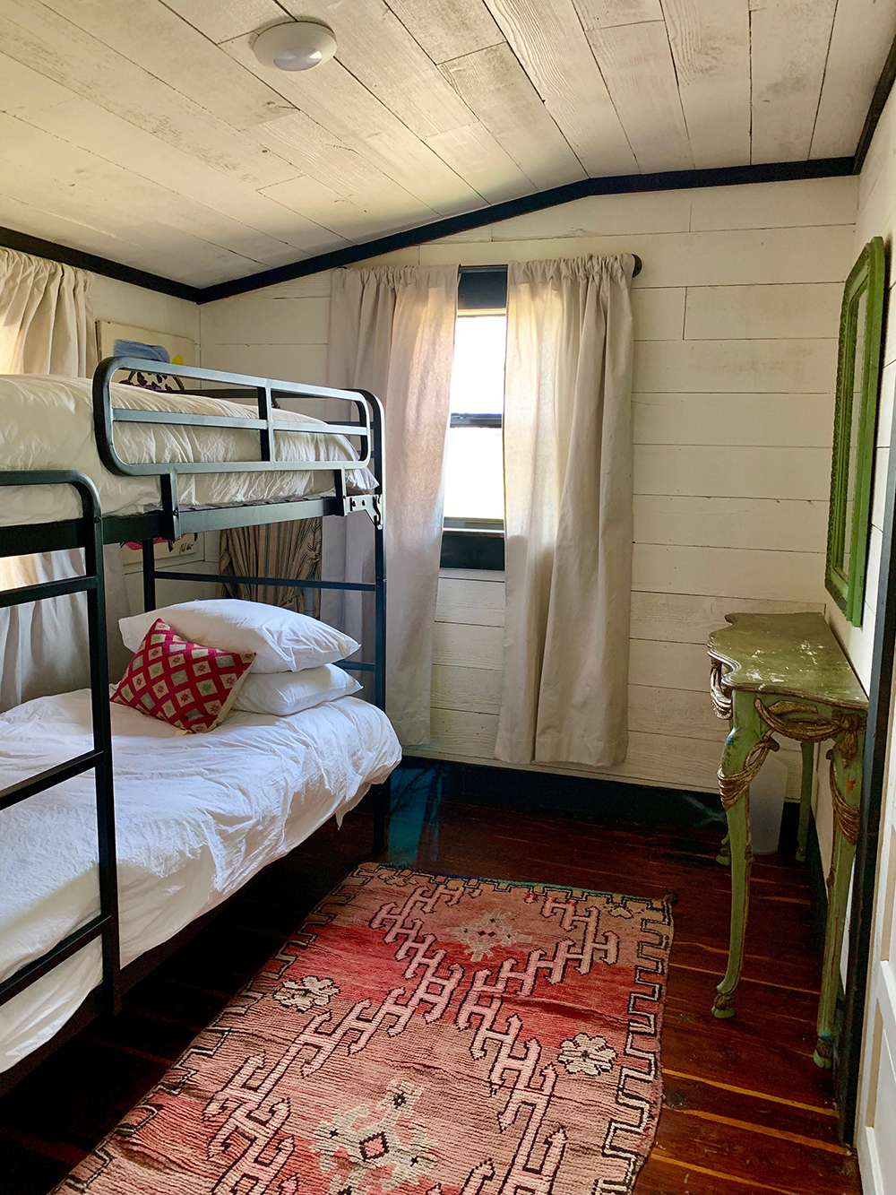 small bedroom farmhouze .JPG