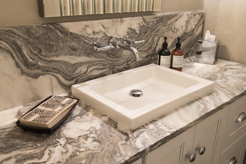 Guest Bath_4741.jpg
