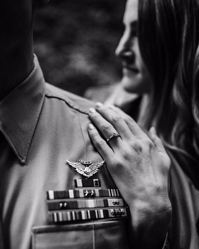 🖤 Engagement session details 🖤  #engagementphotos #bridetobe #she_saidyes #engagementsession #engagementring #weddingring #pnwengagement #blackandwhitephotography #oregonweddingphotographer #pnwweddingphotographer #focalpointweddings #focalpointstudios #gettingmarried #adventurebrides #couplesphotography #justalittleloveinspo #muchlove_ig #radlovestories #oregonphotographer #wanderingphotographers #authenticlovemag #pnwwildlove #meninuniform #focalpointstudios #focalpointphotography #oregonengagement #oregonengagementphotographer