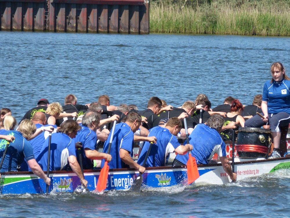 dragon-boat-326667_1920.jpg