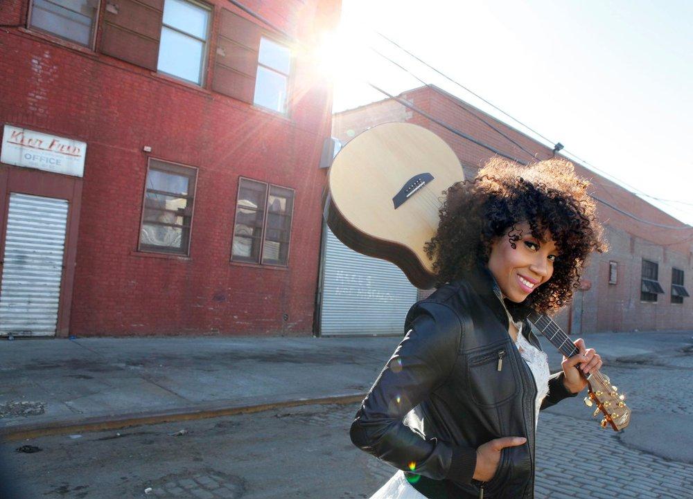 guitar-street-8895.jpg
