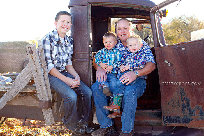dollins-family-session-taken-by-clovis-nm-portrait-photographer-cristy-cross_2.jpg