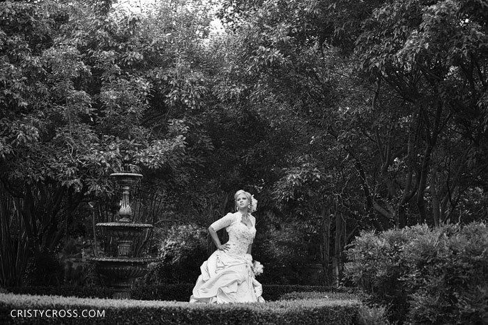 kristens-bridal-session-in-oklahoma-city-at-heritage-hills-taken-by-clovis-wedding-photographer-cristy-cross-2011_7.jpg