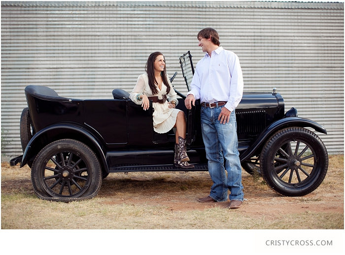 lindsey-and-kelbys-engagement-shoot-by-clovis-wedding-photographer-cristy-cross_003.jpg