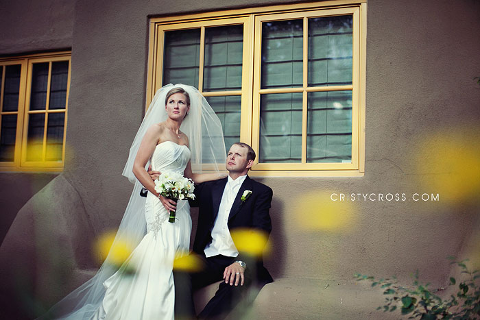 tara-and-trevor-at-la-posada-in-santa-fe-nm-taken-by-clovis-nm-wedding-photographer-cristy-cross