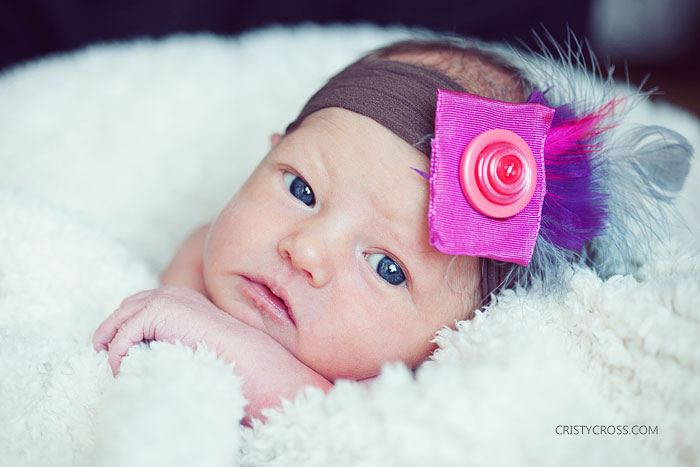 newborn-photos-of-hartly-hamilton-in-clovis-new-mexico-by-portrait-photographer-cristy-cross-1
