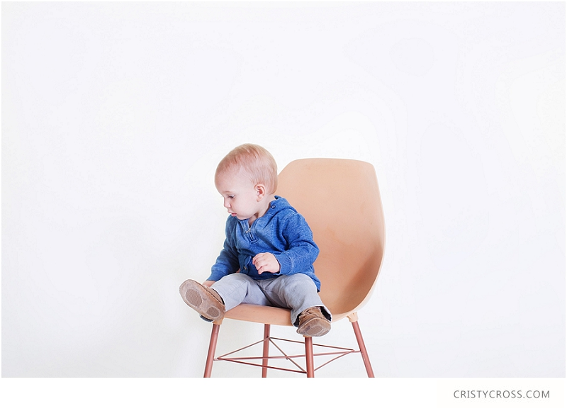 Knox's First Birthday Studio Shoot taken by Clovis Portrait Photographer Cristy Cross_0023.jpg