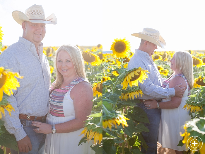 West Texas Sunflower Field Mini Session_0002.jpg