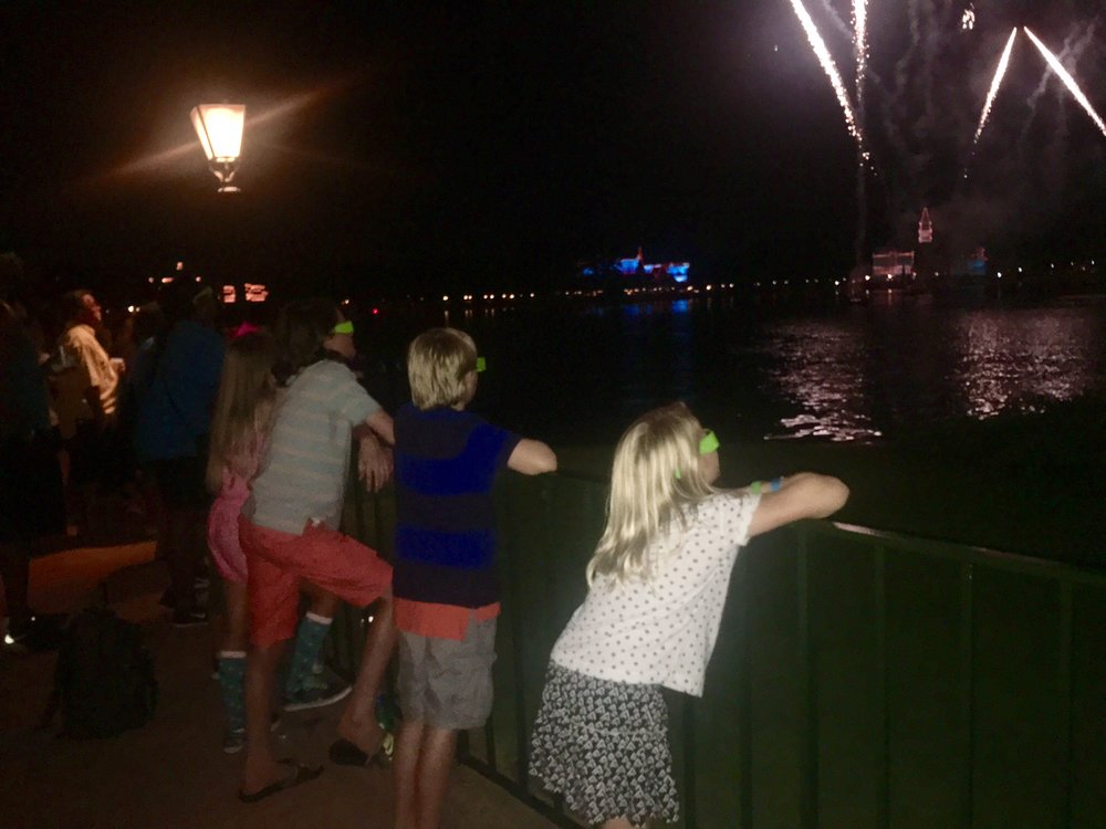 On Saturday evening, Walt Disney World Resort hosted  Dreamer and Doer Shining Stars for an evening of fun and fireworks.