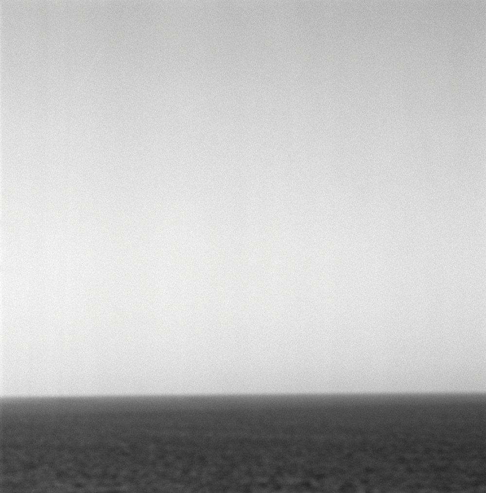 Sea level, silver gelatin print 21 x 21 cm