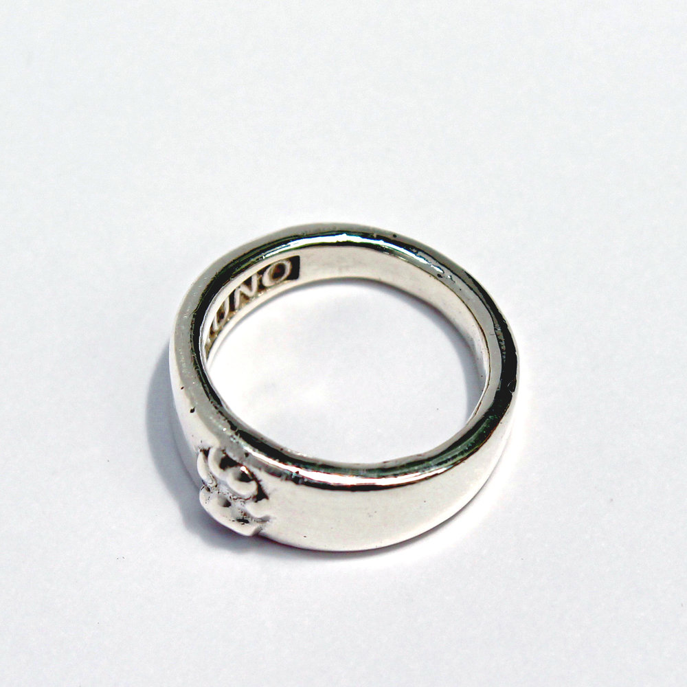 IMPRESIÓN 3D    Con nuestro  escáner e impresora 3D, diseñamos una hermosa réplica de la huellita de tu   compañero para llevarla   en un bello dije o anillo(producto exclusivo).