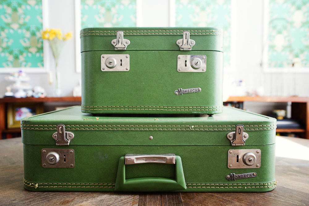 Green Vintage Luggage   houseofhowe.com   © 2017   All right reserved.