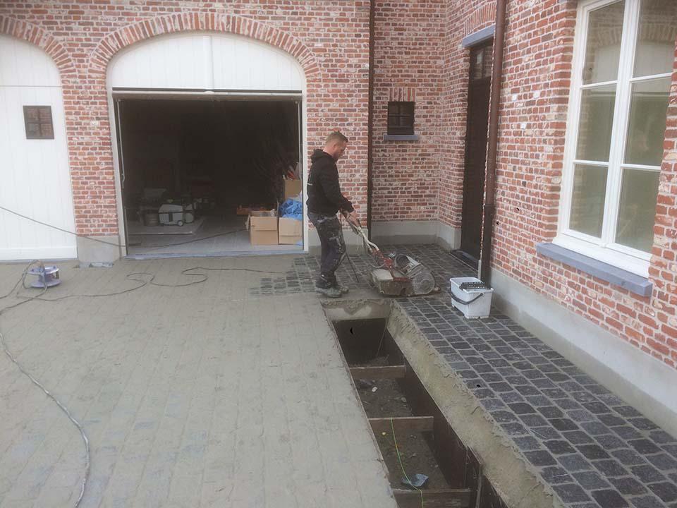 Aannemer opritten en terrassen roeselare wesley devos for Aanleg oprit