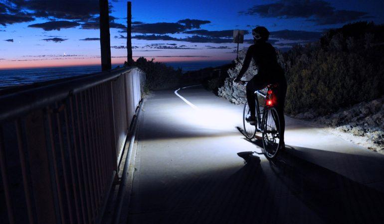 luz-trasera-de-bicicleta-34ndmsnyzkszpqlb7lrdvu.jpg
