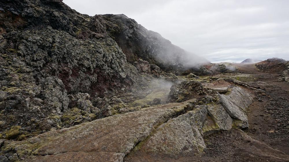 volcano-913954_1920.jpg