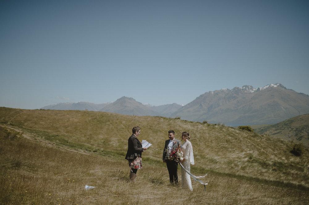 Jess_Scott_Queenstown_New_Zealand_Anteloping_Elopement_Blog-30.jpg