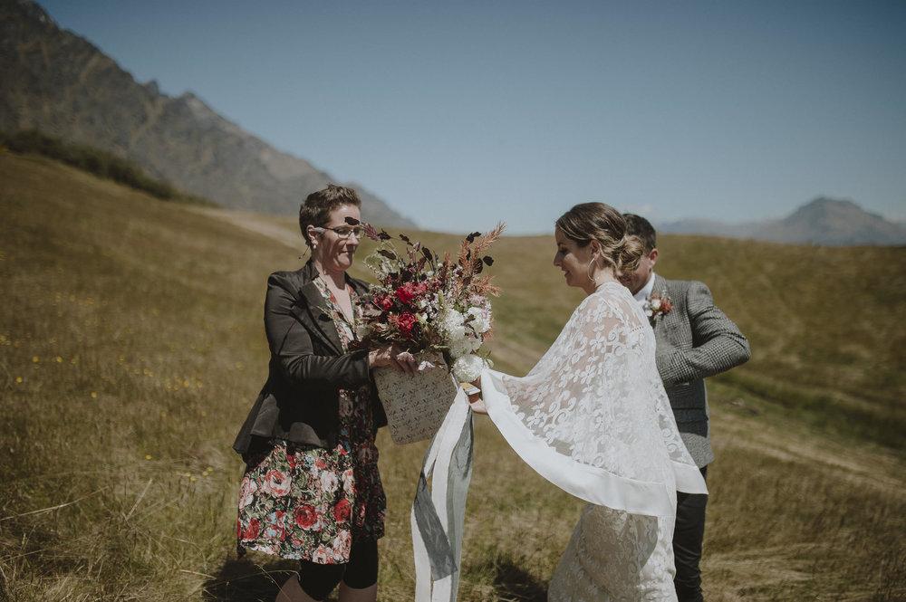 Jess_Scott_Queenstown_New_Zealand_Anteloping_Elopement_Blog-35.jpg