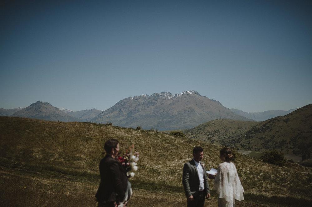 Jess_Scott_Queenstown_New_Zealand_Anteloping_Elopement_Blog-39.jpg