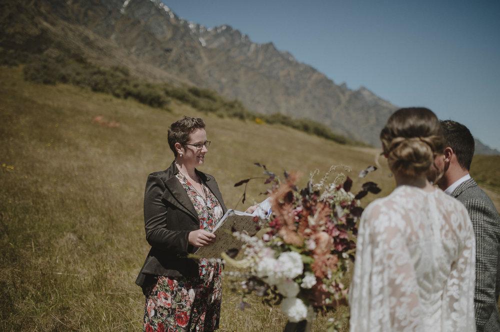 Jess_Scott_Queenstown_New_Zealand_Anteloping_Elopement_Blog-40.jpg