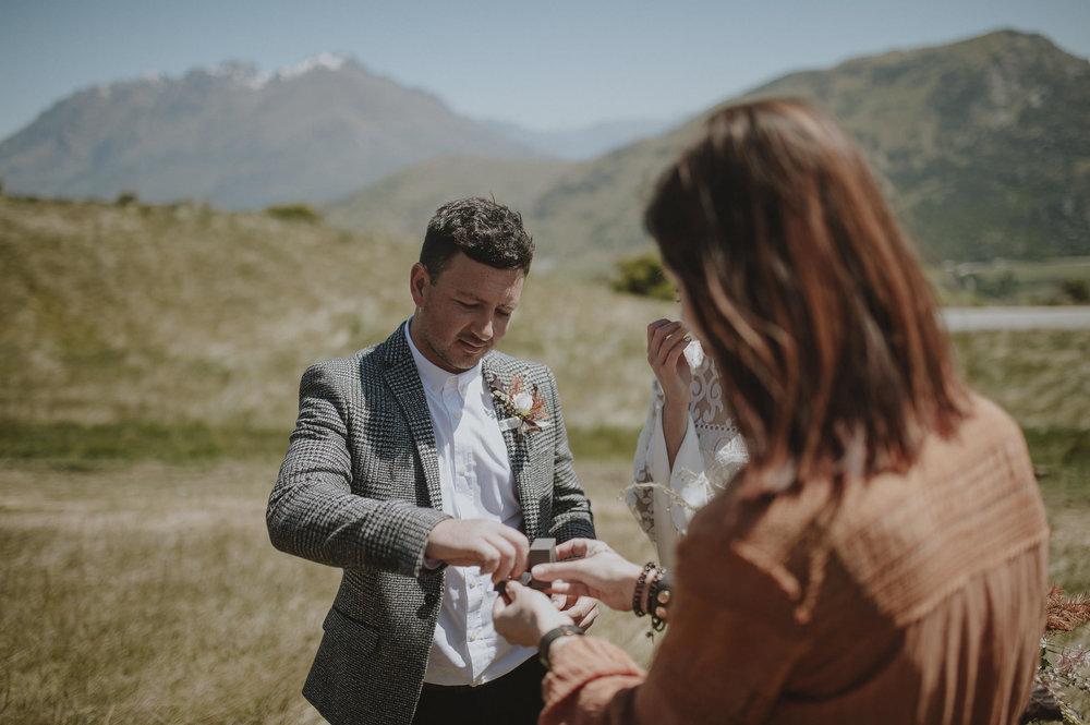 Jess_Scott_Queenstown_New_Zealand_Anteloping_Elopement_Blog-43.jpg