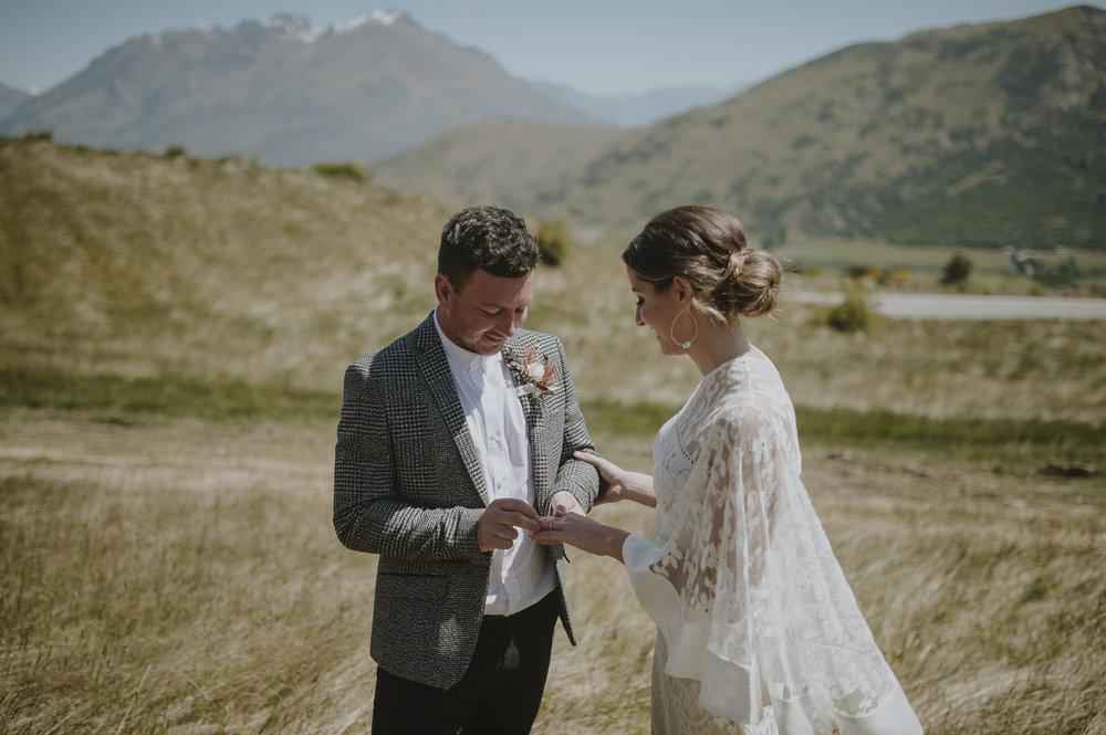 Jess_Scott_Queenstown_New_Zealand_Anteloping_Elopement_Blog-45.jpg