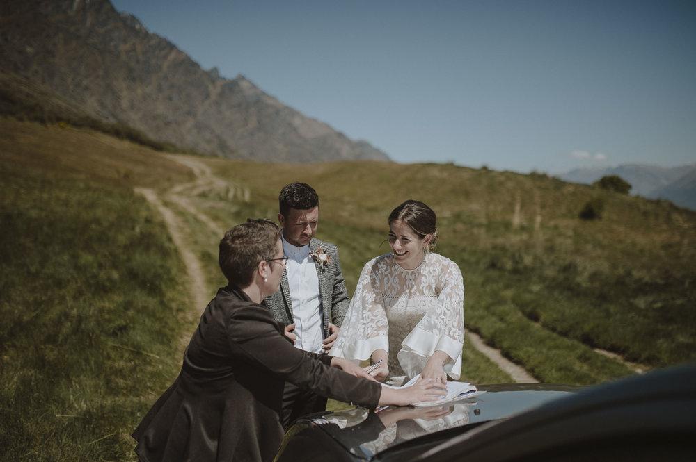 Jess_Scott_Queenstown_New_Zealand_Anteloping_Elopement_Blog-53.jpg