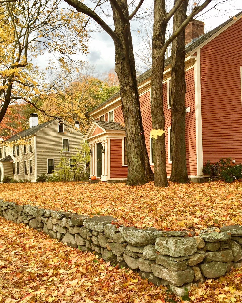 A walk through Concord Massachusetts in the fall.